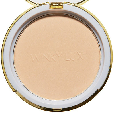 Light -- Winky Lux Foundation Diamond Powder Foundation